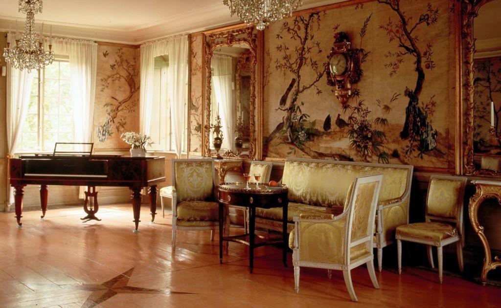 Интерьер гостиной в стиле ампир