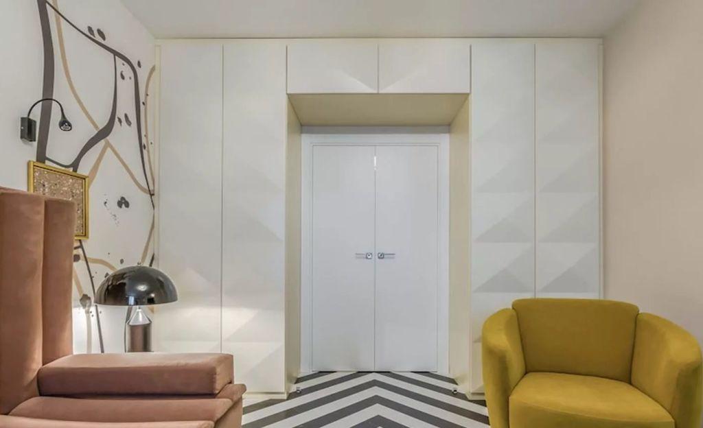 5 видов шкафов вокруг двери и материалы для их изготовления