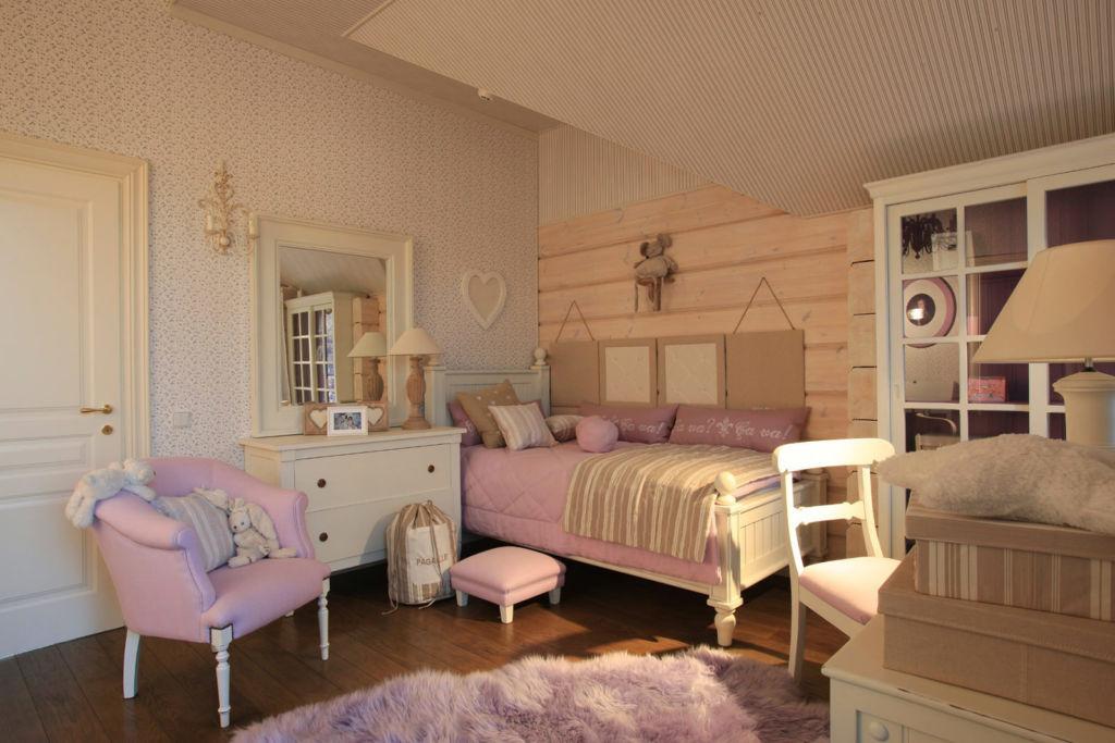Мебель стиля прованс должна содержать утонченные элементы декора