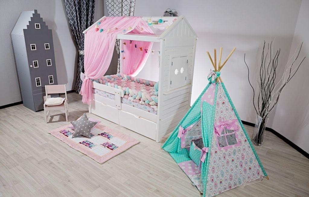 Розовый домик для девочки с балдахином