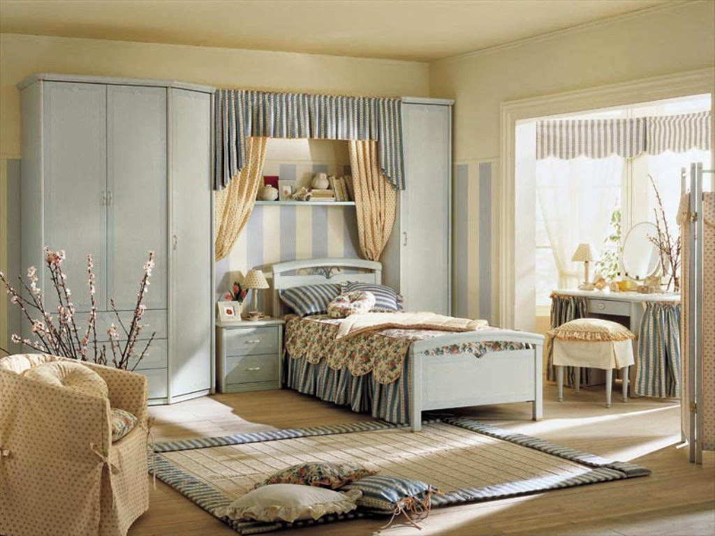 Самый легкий способ сделать комнату уютнее – использовать много текстиля и подушек