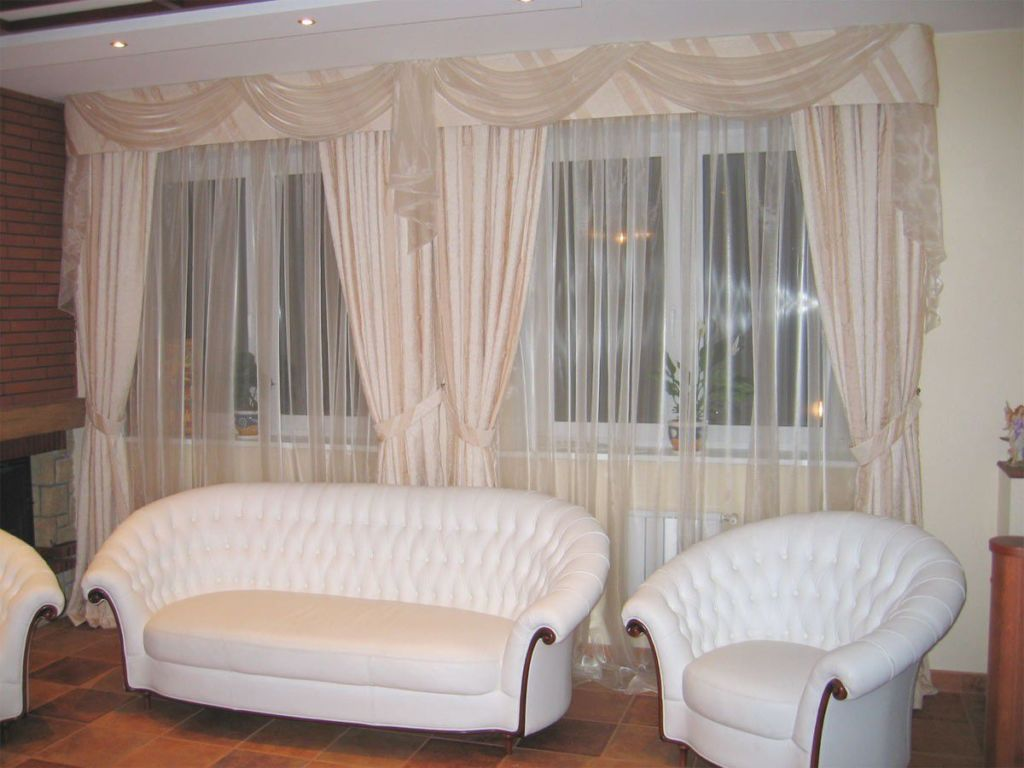Индивидуальные дорогостоящие занавески, которые навеивают пространство роскошью и комфортом