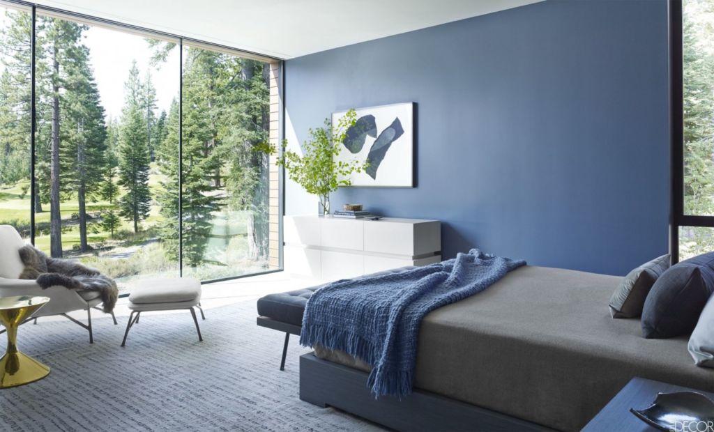 тандартный синий оттенок хорошо сочетается со всевозможными пастельными оттенками