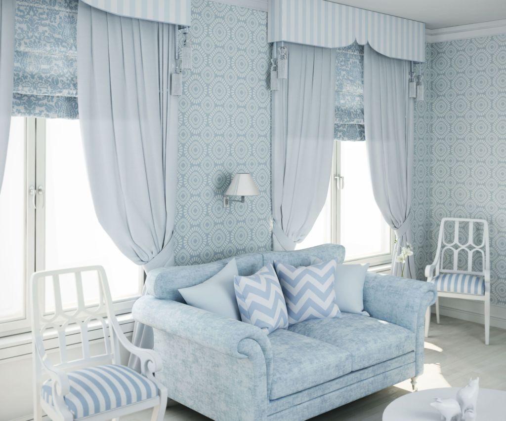 Светло голубые шторы с подхватами жестким ламбрекеном и римскими шторами и светло голубую гостиную