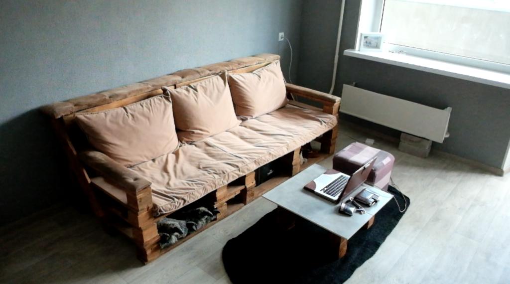 15 вариантов дивана из поддонов