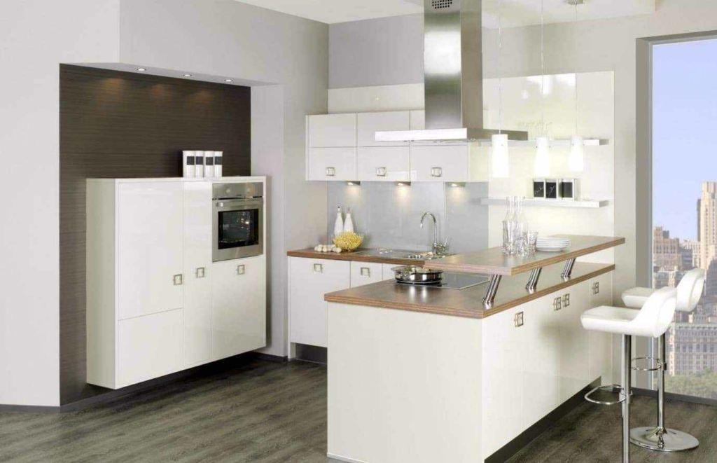 В небольшой кухне тоже можно разместить барную стойку, если придумать удачную конструкцию