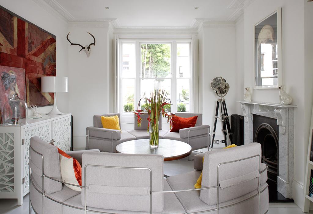 Оригинальный дизайн маленькой гостиной
