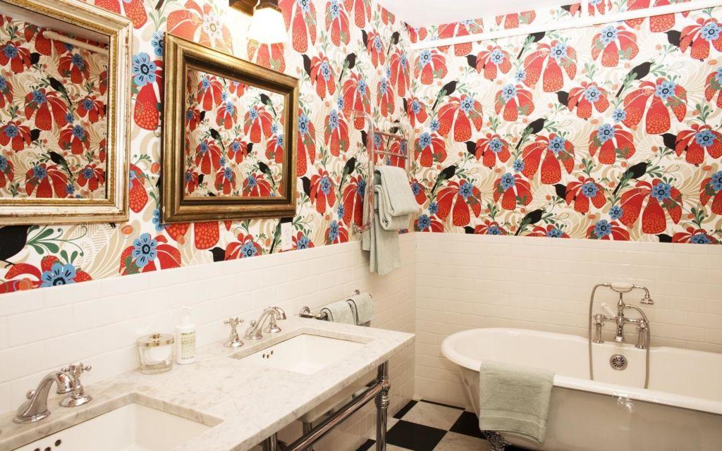 Преимущества и недостатки жидких обоев для ванной комнаты