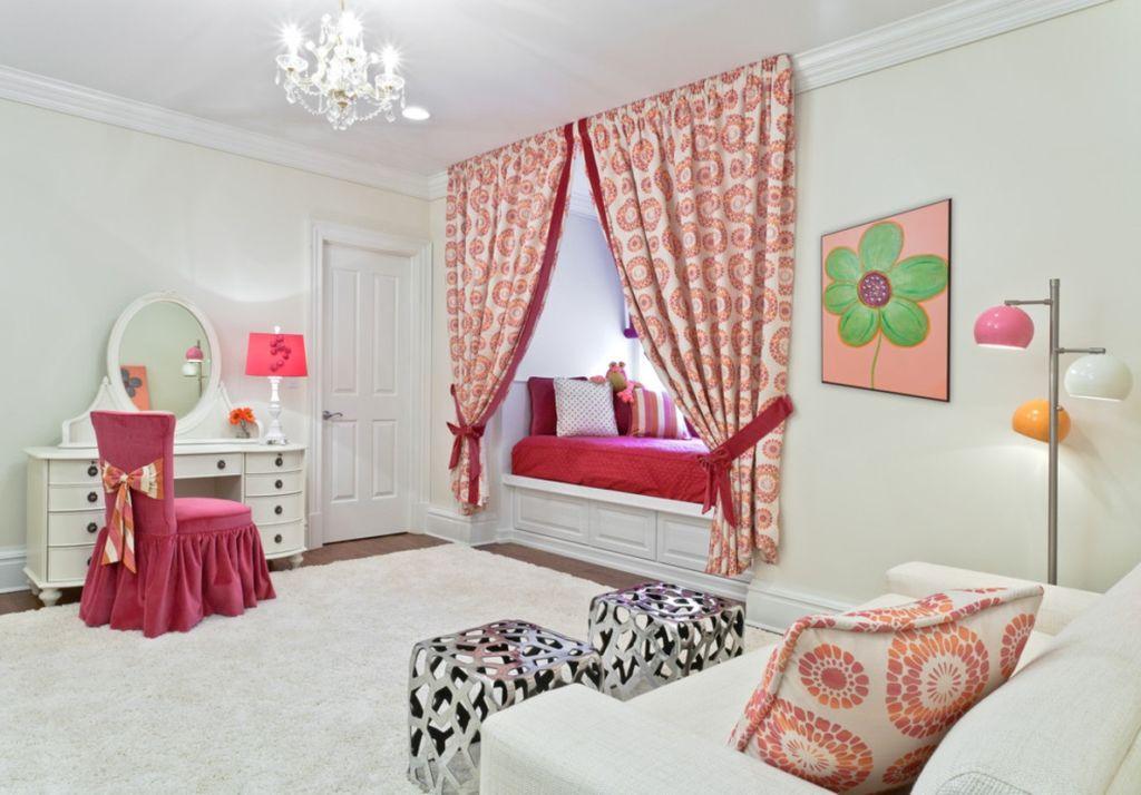 Спальня для девочки, является целым миром, где ребенок проводит много времени