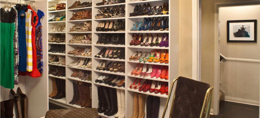 Шкаф бона предполагает открытое хранение обуви