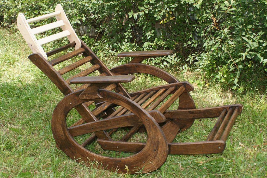 Кресло качалка на эллипсных полозьях