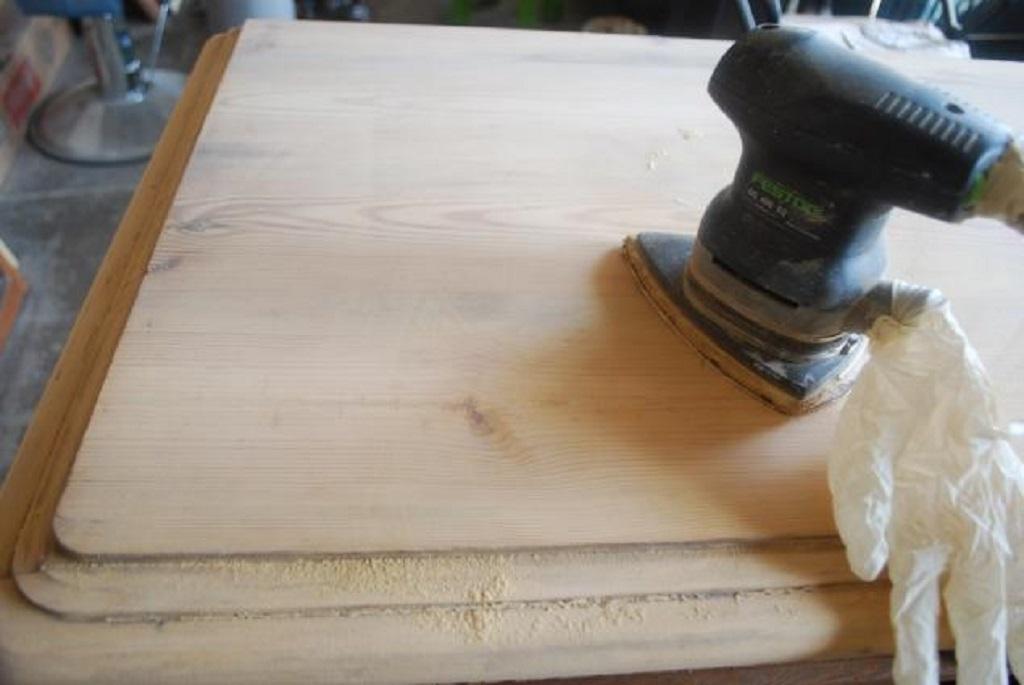 Шлифовка поверхности мебели