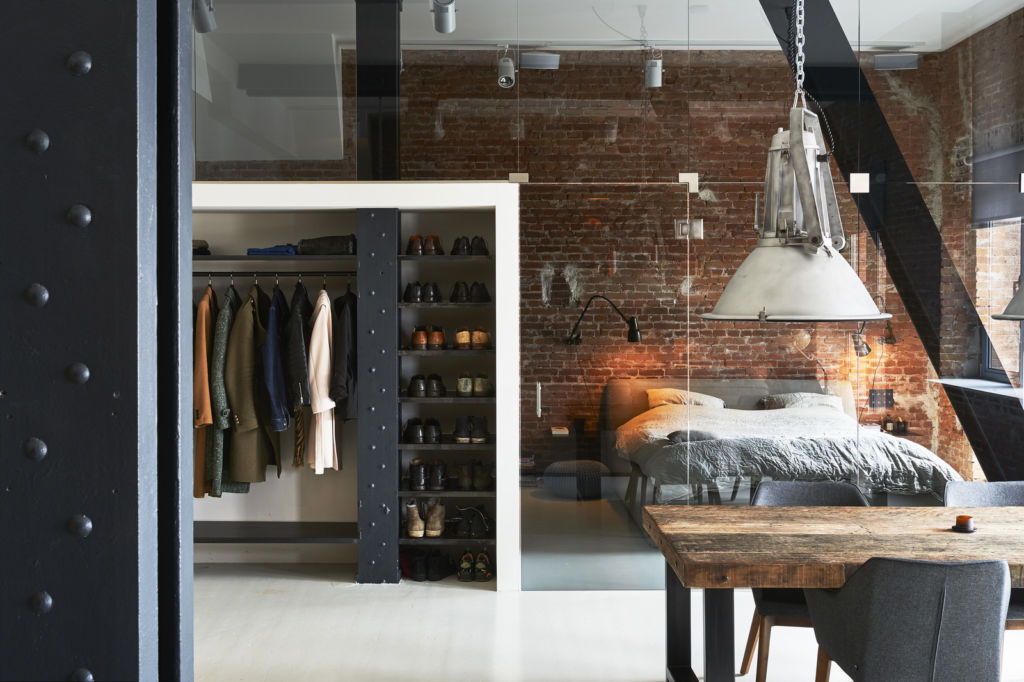 11 способов зонирования комнаты на гостиную и спальню