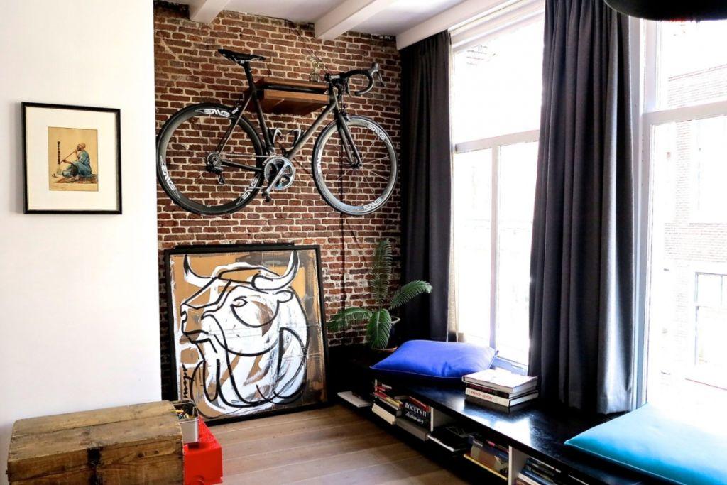 В детской лофт возможно даже хранение велосипеда