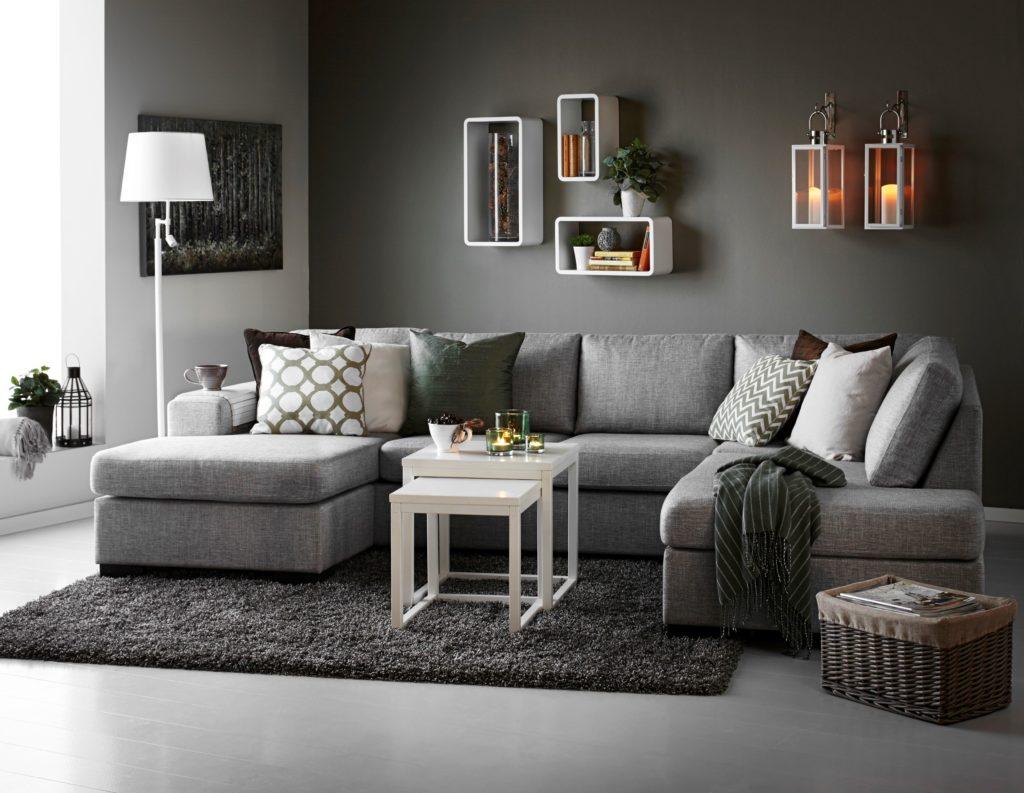 Стильный П-образный диван серого цвета в интерьере