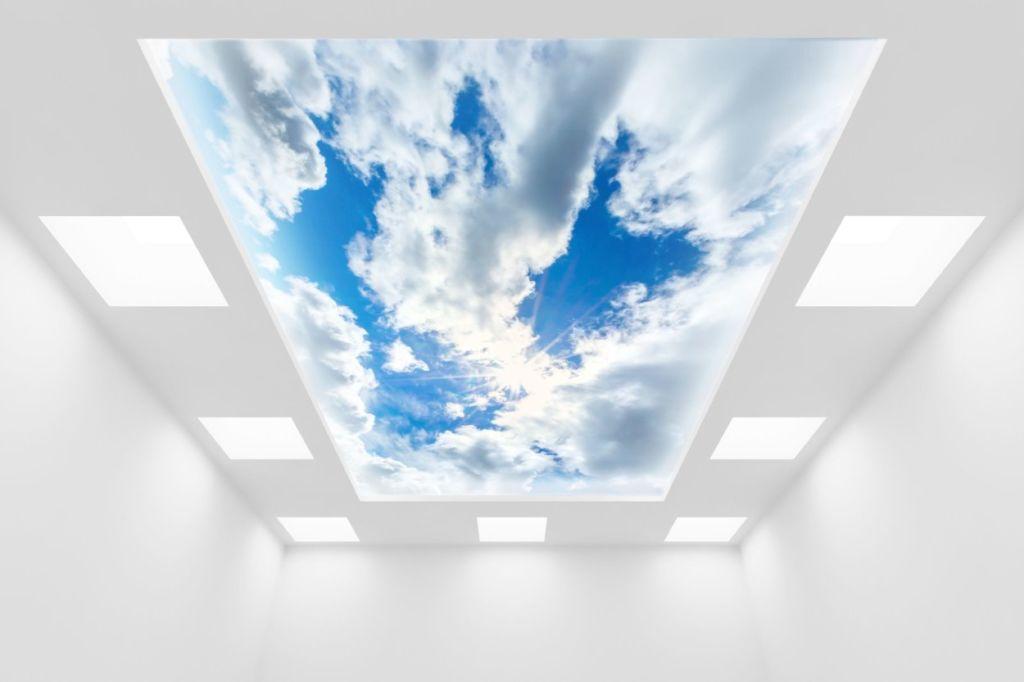 Оригинально и необычно смотрятся фотообои на потолок