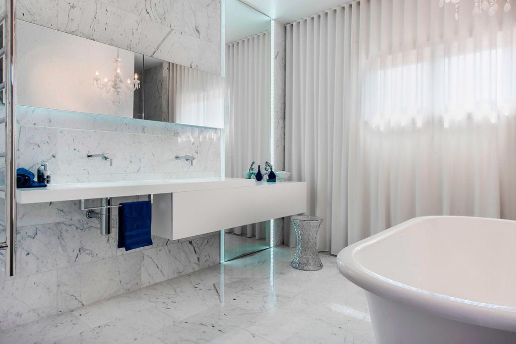 Белая ванная комната, минимализм