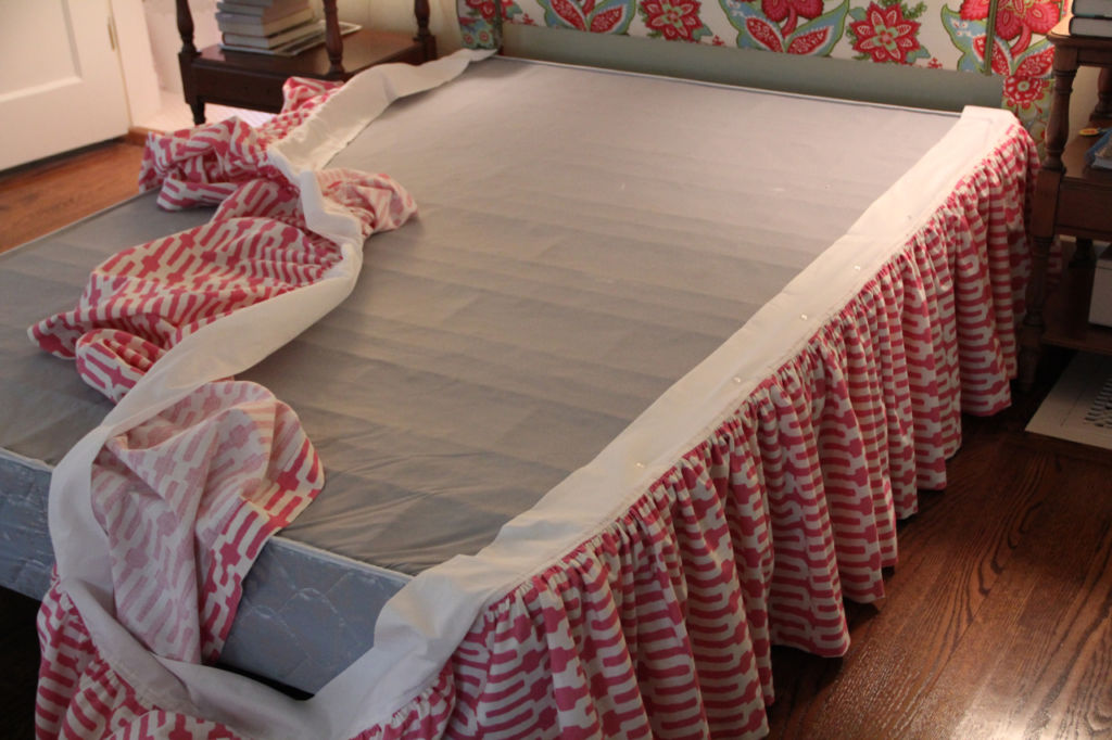 Как сшить красивый подзор для кровати
