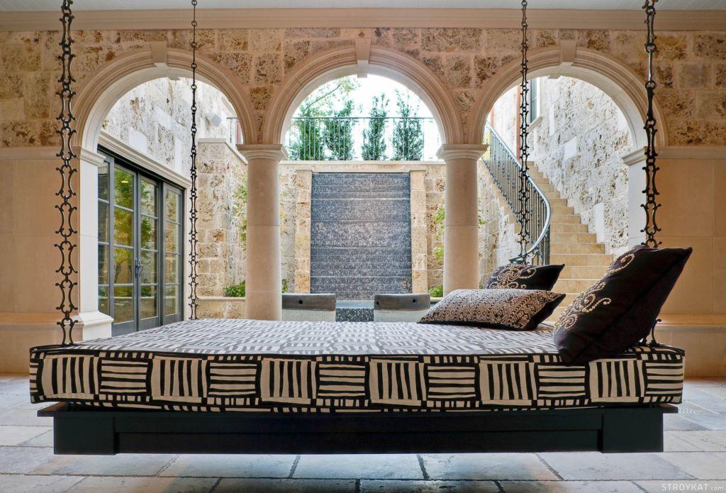 Кровать на цепях подвесная в восточном стиле