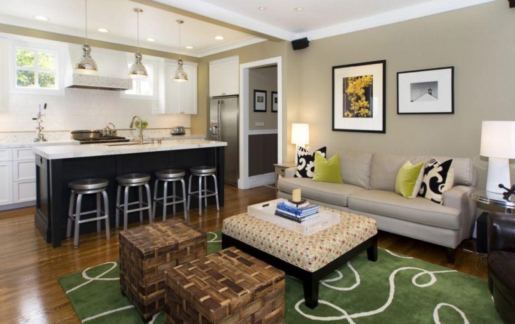Освещение в гостиной – очень важная тема, и ей следует уделить большое внимание