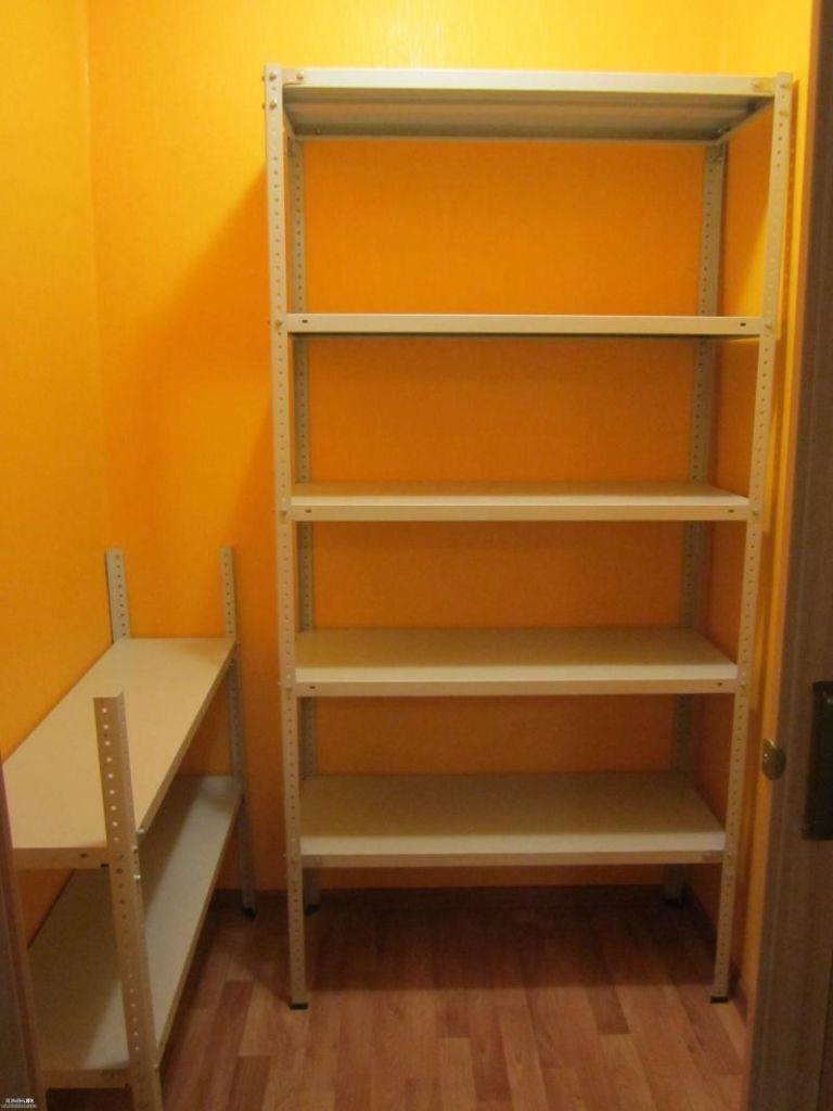 16 вариантов полок и стеллажей в кладовку в квартире
