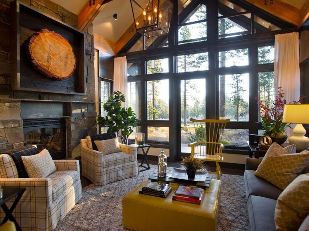 Яркий декор гостиной в стиле эклектика