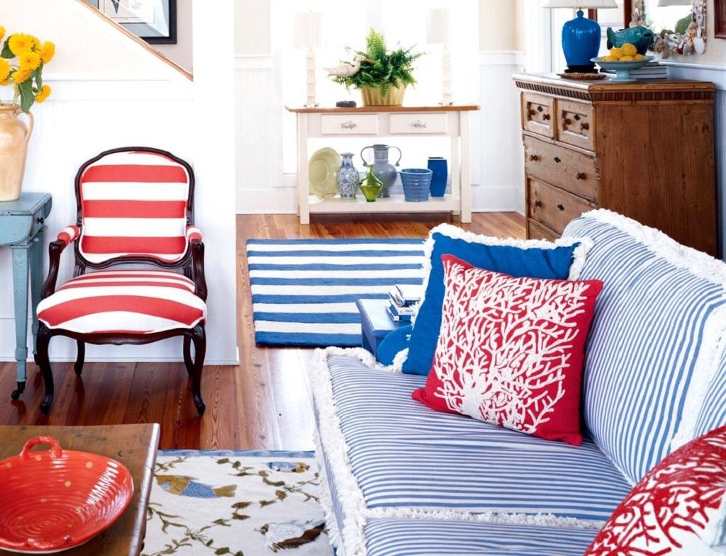 Голубой и красный в интерьере гостиной