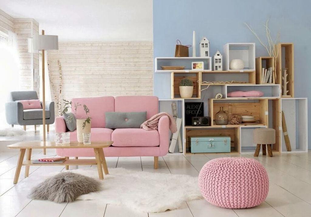 Розовый цвет придает бежевому интерьеру нотки нежности, изысканности и теплоты
