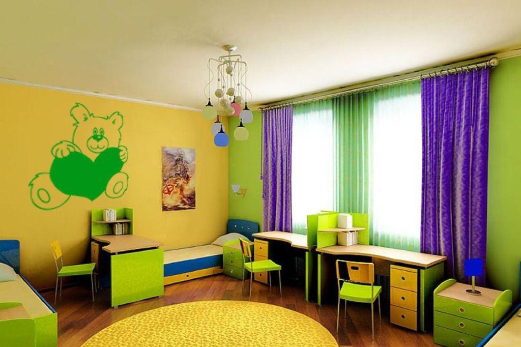 Фиолетовые шторы в зелено желтую комнату