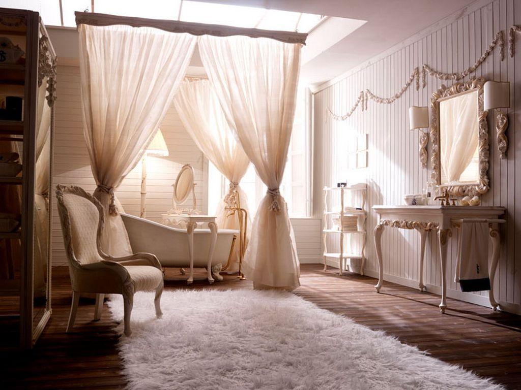 Шторы и мебель дополнят интерьер в классическом или стиле барокко