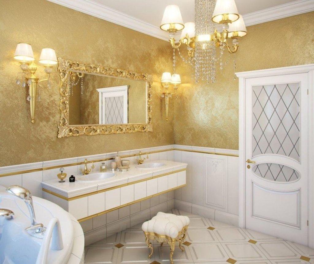 Коричневая штукатурка идеально впишется в ванну, выполненную в классическом стиле