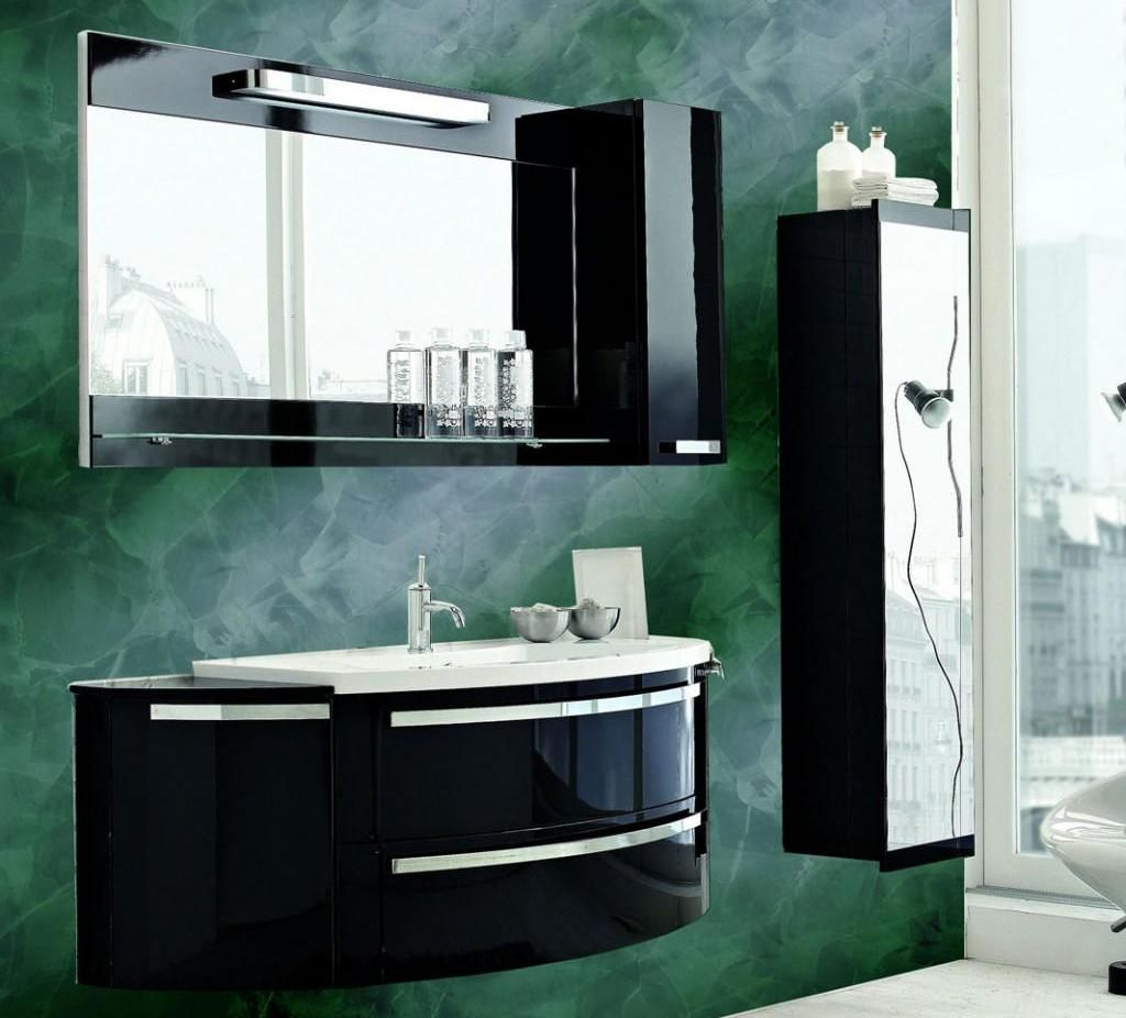 Черный и зеленый цвет - отличное сочетание для стильной ванной комнаты