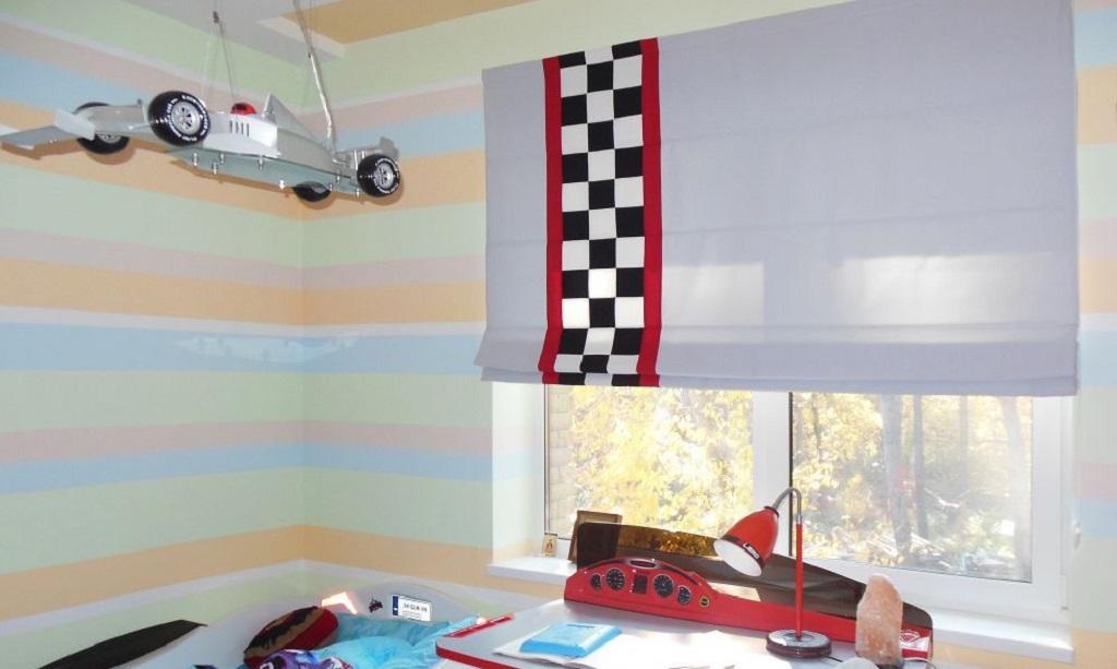 Рулонные шторы в детскую комнату – это очень удобный элемент декора