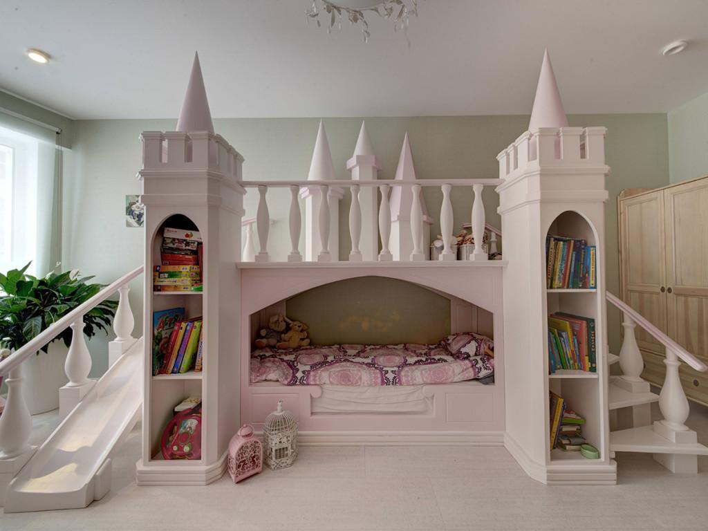 Детский замок в комнате