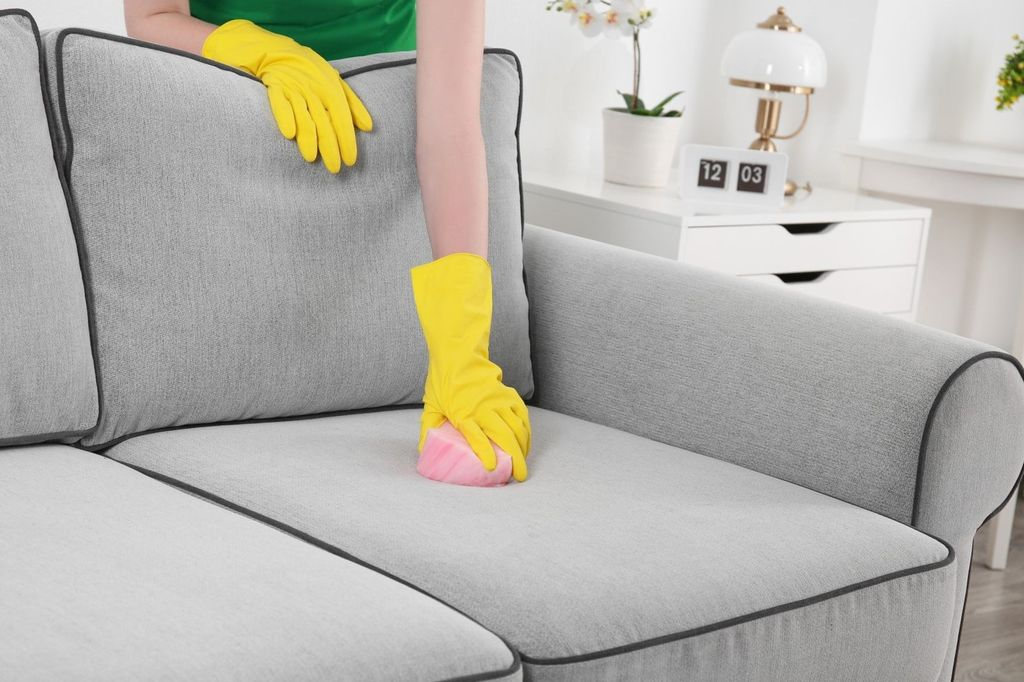 Как удалить пятна на диване содой фото