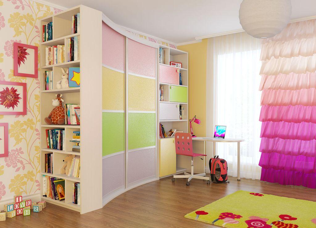 Для детской комнаты можно выбрать яркие цвета фасада