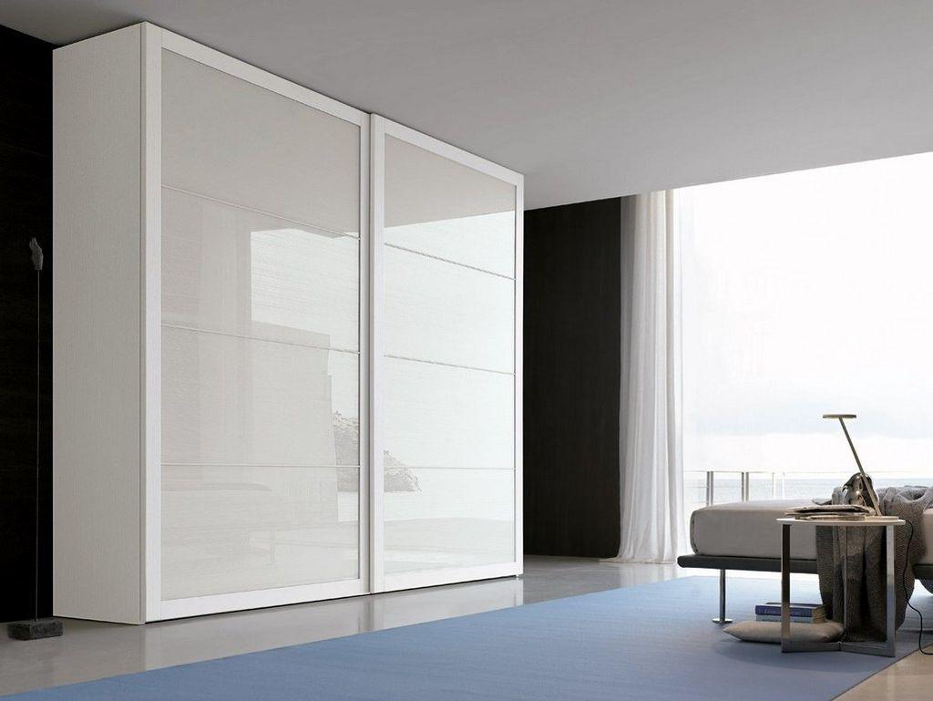 Шкаф купе отлично впишется в интерьер помещения, выполненный в стиле минимализм