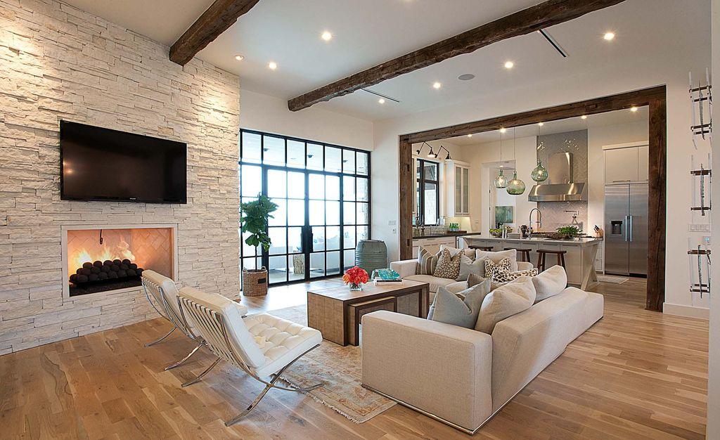 Мебель расставляется так, чтобы сидящие имели зрительный контакт