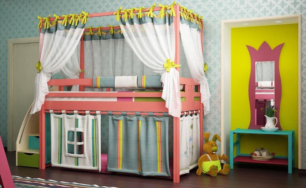 Первый ярус кровати всегда можно превратить в игровую