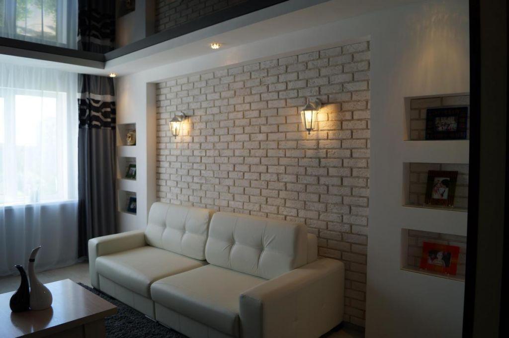 В маленьких помещениях допускается отделка светлым кирпичом