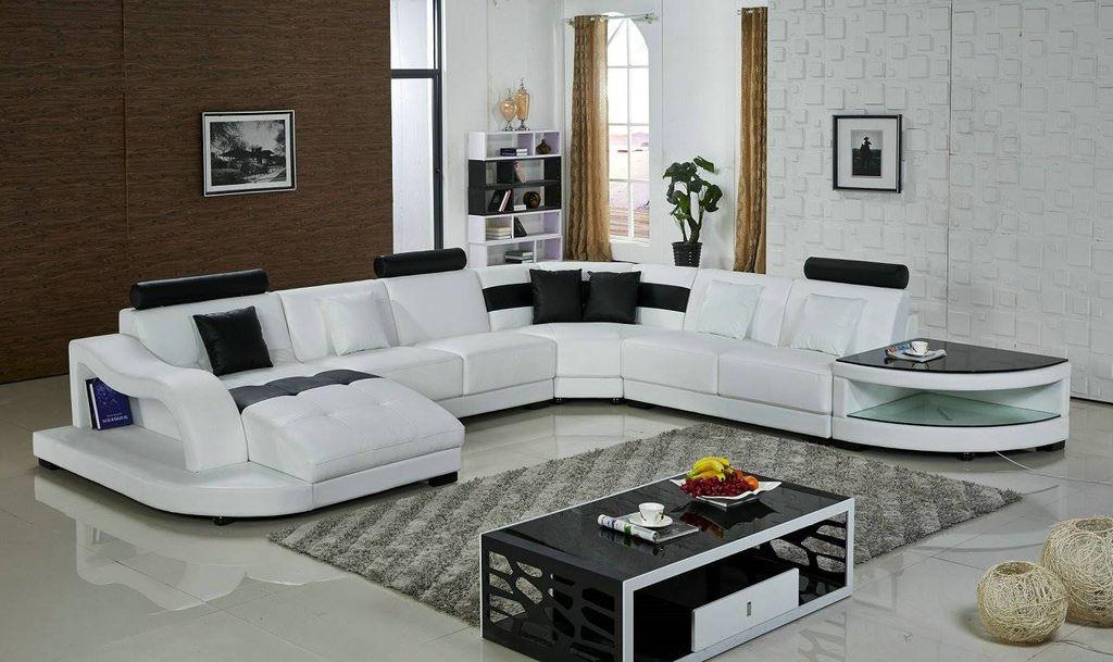 Угловой диван П-образной формы занимает немного больше места