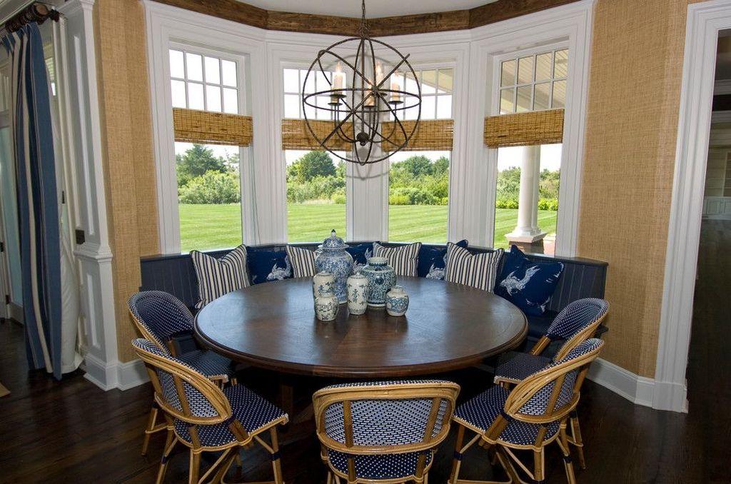 Обеденная зона может служить общим элементом гостиной-столовой