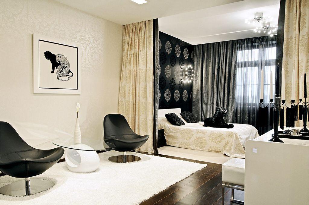С помощью штор можно разделить зал на гостиную и спальню