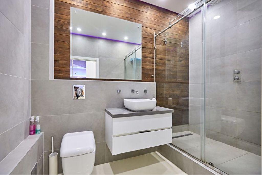 Следуя советом опытных дизайнеров, вы сделаете свою маленькую ванную неповторимой и уютной