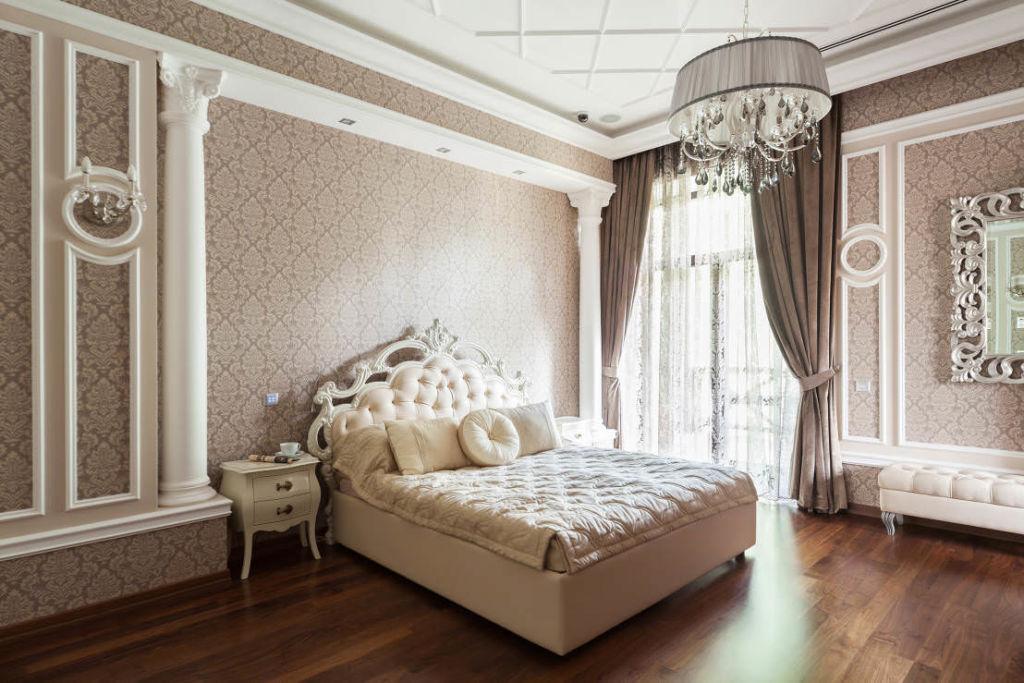 Создаем спальню в классическом стиле в светлых тонах (16 фото)
