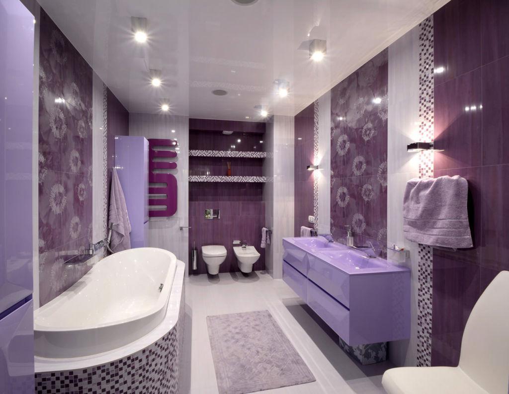 Как правильно выбрать светильники в ванную комнату на потолок