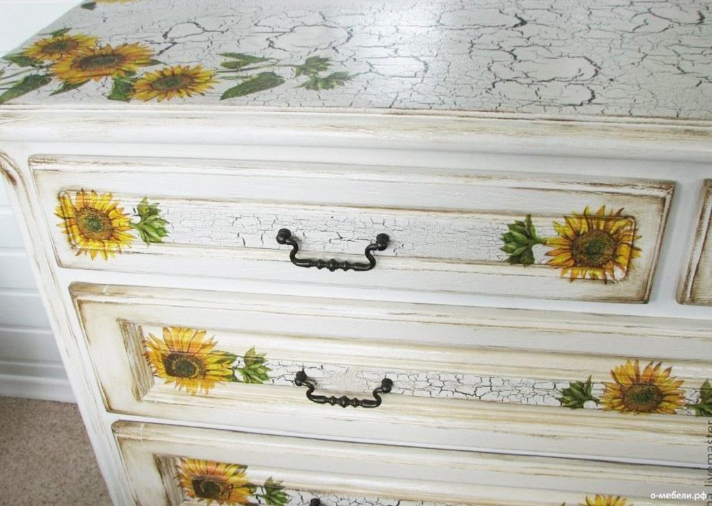 Кракелюр на мебели