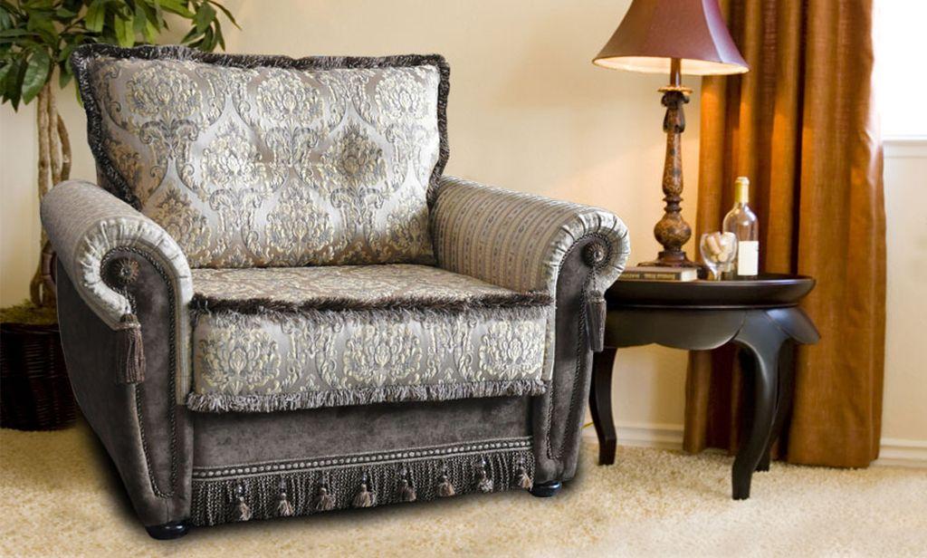 Кресло в классическим стиле оформления