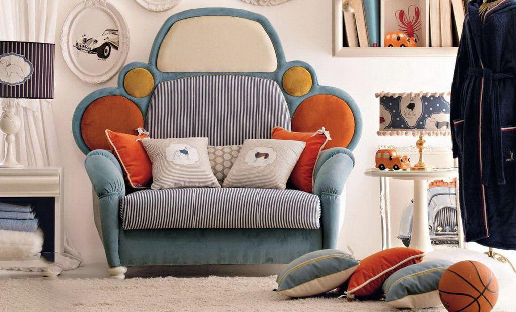В детскую комнату можно подобрать соответствующее кресло-кровать