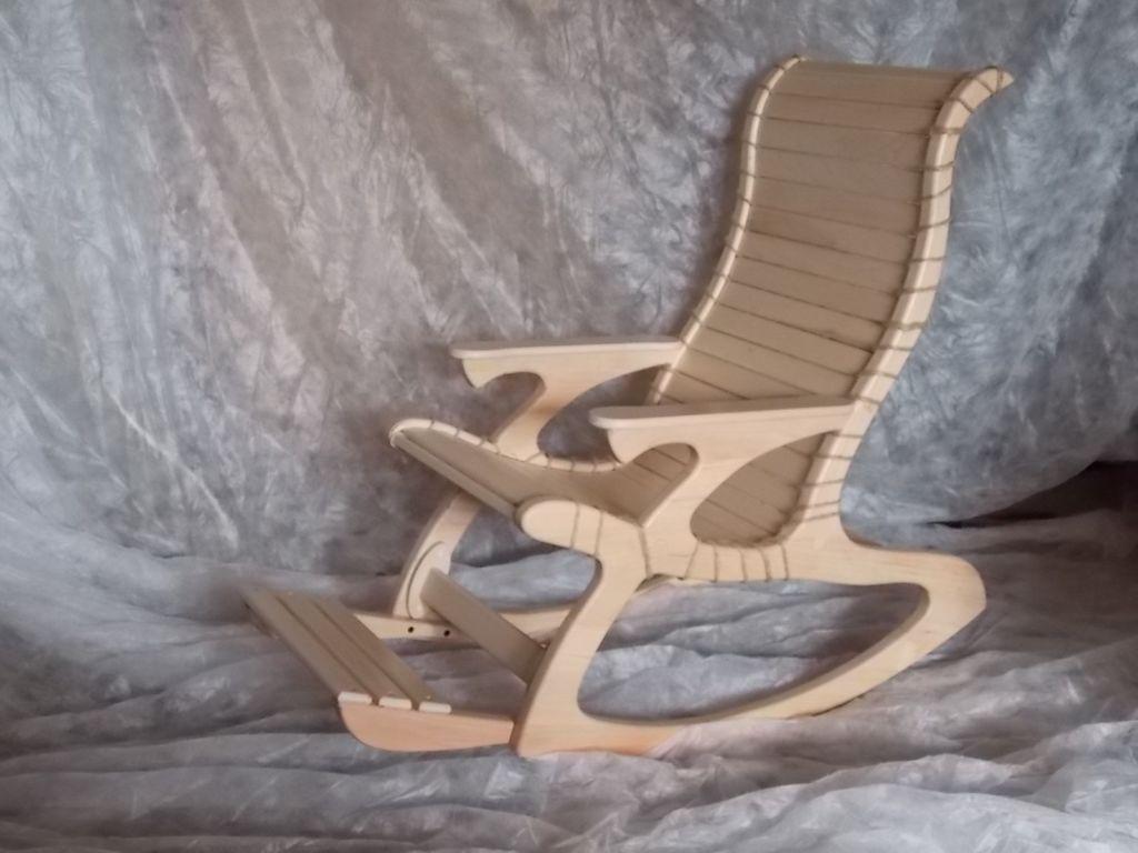 Кресло качалка с переменной кривизной